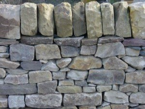 Attractive Buff walling stone from our reopened quarry in Fife. Economical and ideal for landscaping walls throughout Central Scotland.