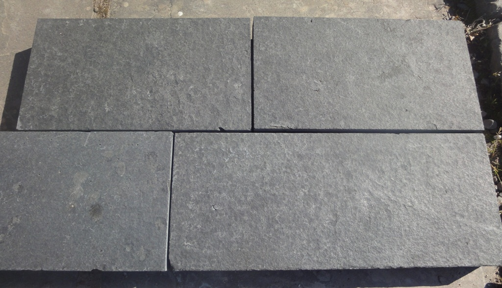 Zp black basalt paving natural stone tradstocks for Basalt pavers