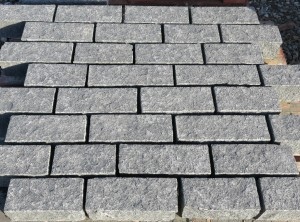 Tradstocks - 200-300 x 100 x 100 Whin Setts