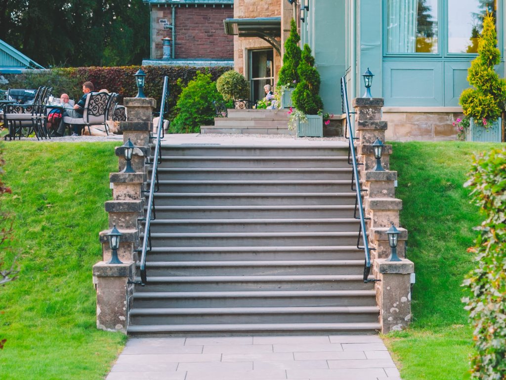 Cromlix House - Steps and Paving